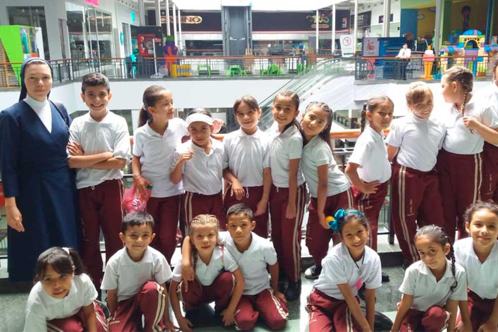 Hijas-de-la-Caridad-28