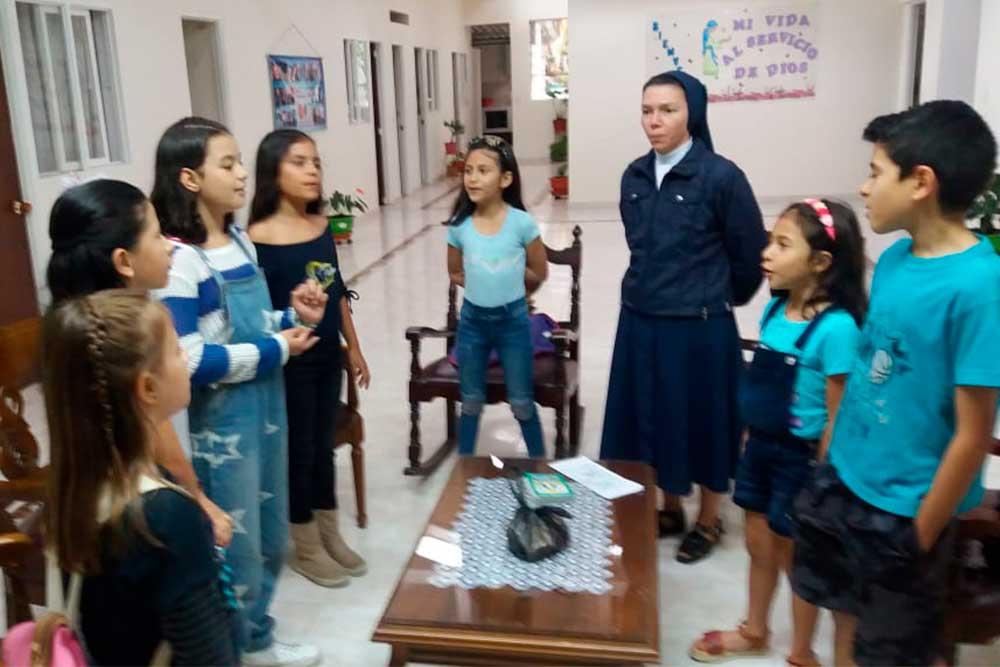 Hijas-de-la-Caridad-27